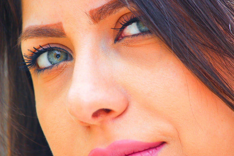 عکس دختر چشم رنگی