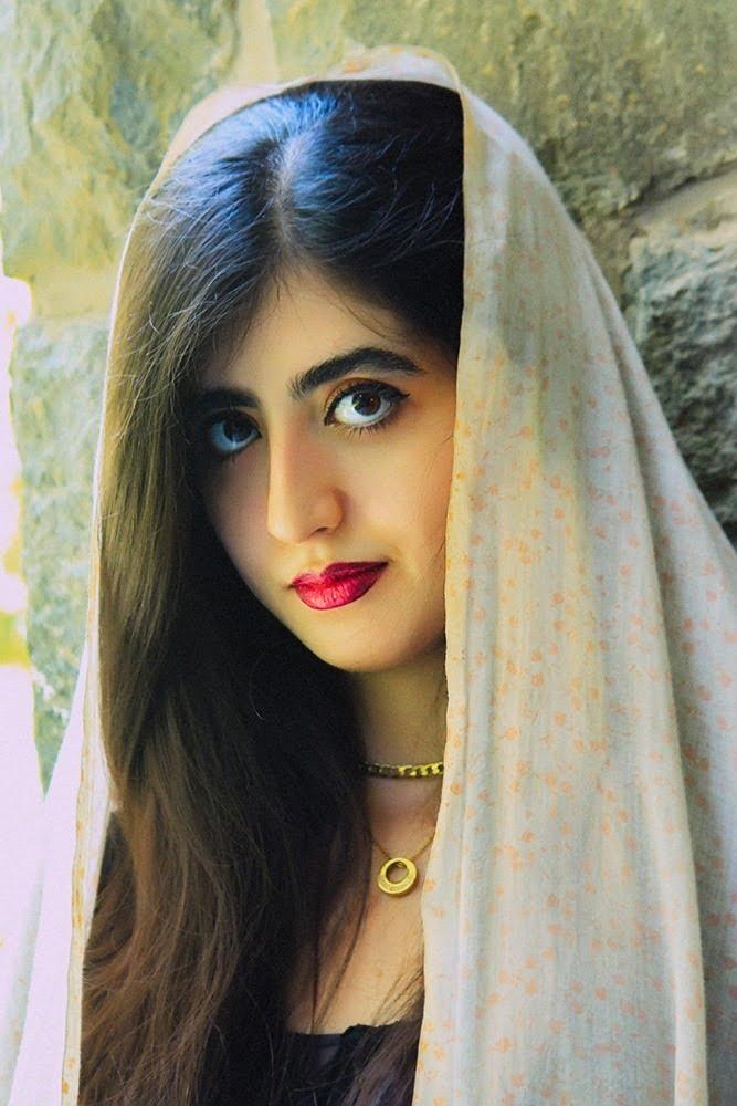 پرتره دختر قاجاری
